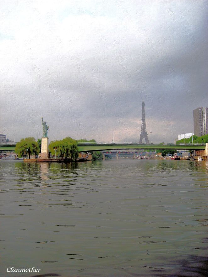 The Paris Sister - Statue of Liberty